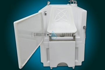 SENSATION - assisted slide-in bath with movable seat [front view with open door]