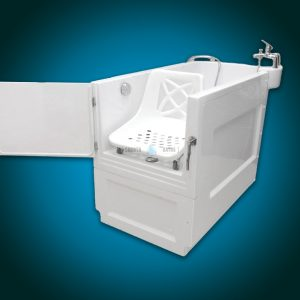 SENSATION - assisted slide-in bath with movable seat [corner view]