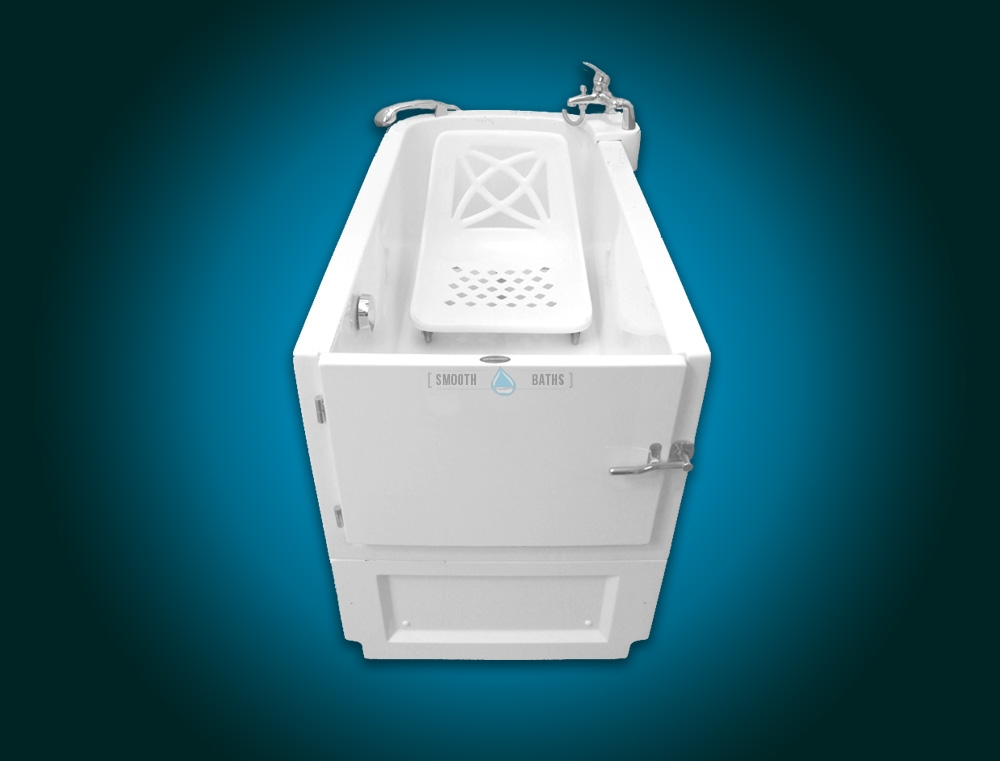 SENSATION - assisted slide-in bath with movable seat [front view with seat]