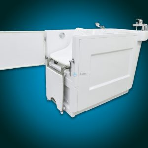 SENSATION - assisted slide-in bath with movable seat [side view with seat]