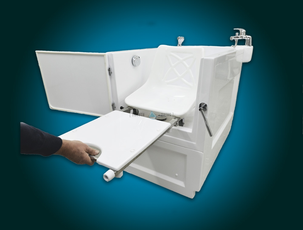 SENSATION PLUS - assisted bath with movable seat or backrest [extendable chair - front view]
