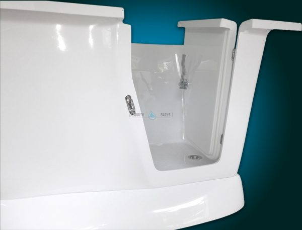 MODERN - small freestanding walk-in bath with seat [door close-up view]