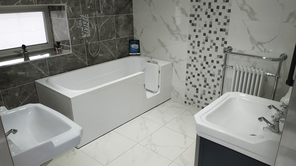 IMPRESSION - full length walk in bathtub in Ireland (Dublin) - Showroom in Swords - SMOOTH BATHS