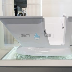 MODERN - walk in bath with built in seat for any bathroom [showroom view]