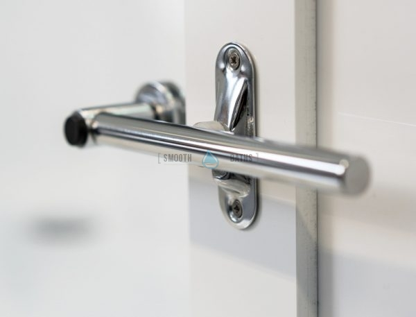 PERFECTION - walk-in bath for elderly, seniors and families - door handle [side view]